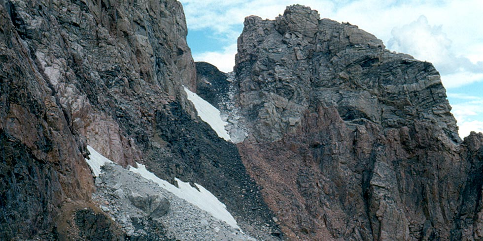 Igneous diabase dikes squeezed between metamorphic granite and gneiss are seen throughout the Tetons.